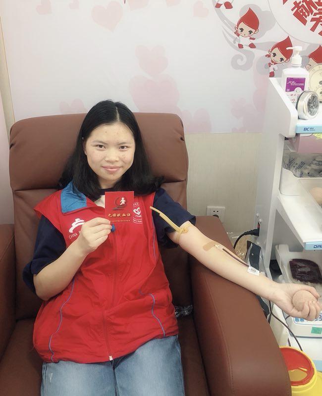 致敬高温下的志愿者 ——首都无偿献血志愿者协会2018年暑期关爱在行动