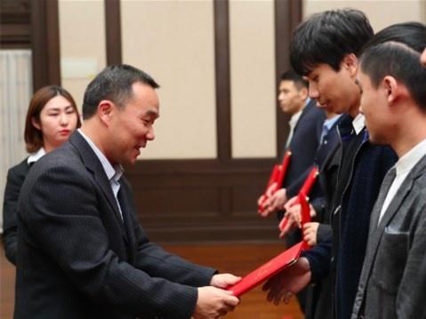 """上海开启第三轮""""医疗援体""""合作"""