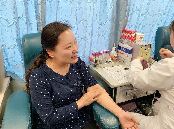 无偿献血进校园:驻马店市实验幼儿园教职工无偿献血传递温暖