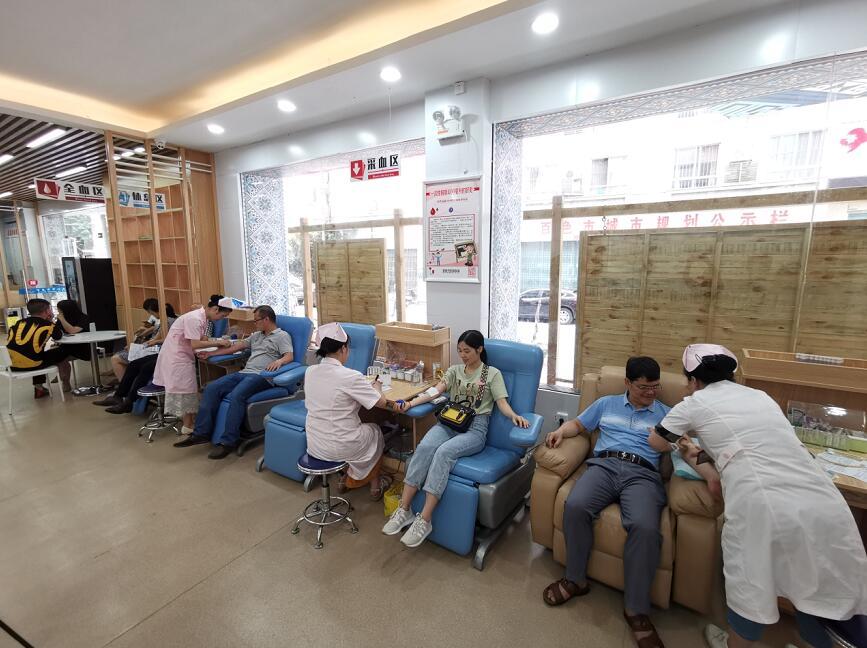医者大爱  温暖人心-百色市妇幼保健院开展无偿献血活动