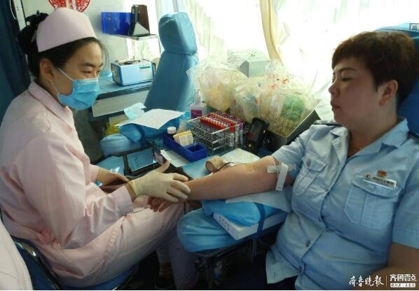支援血库!青岛公交人献血上万毫升