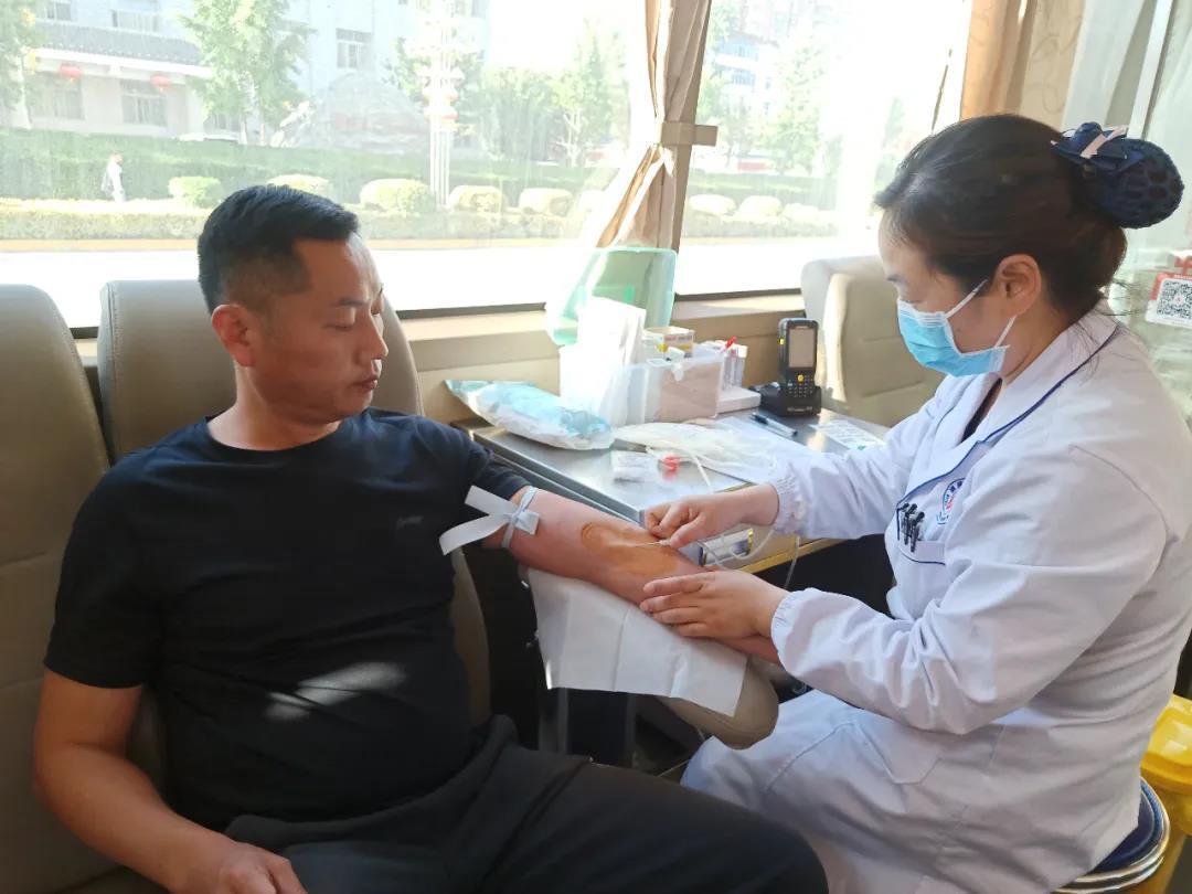 """渭南市中心血站 冀娜同志被评为""""优质护理服务先进个人"""""""