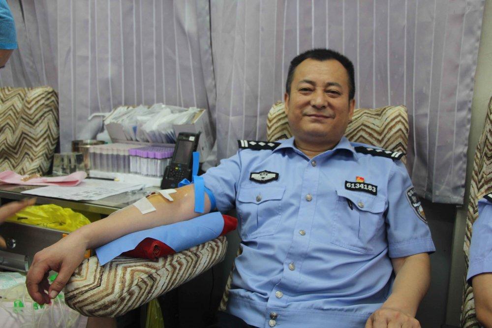 赞美献血者_咸阳市中心血站丨瞧!这俩口子都是爱心奉献者