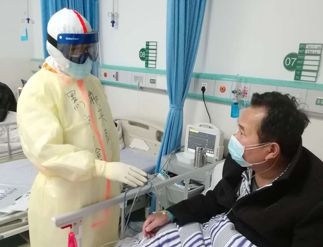 白衣天使的热血情怀 ——医生解来静的献血故事