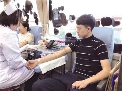 假如献血圈也有一个「丁真」,会怎样?