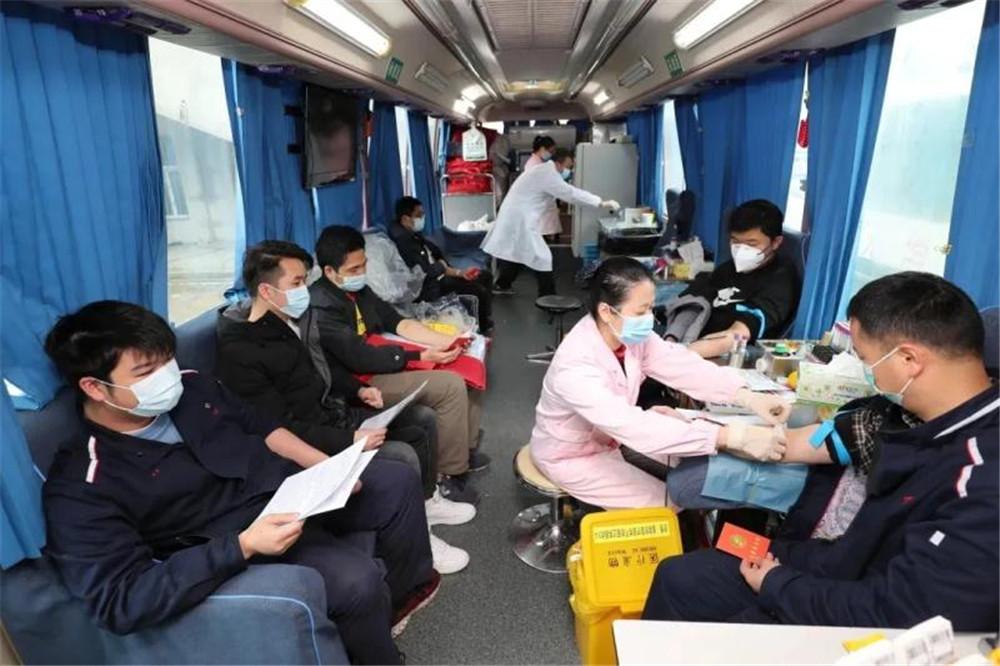 脚踏实地  锐意进取  续写血站发展新篇章——访广西血液中心主任韦少俊