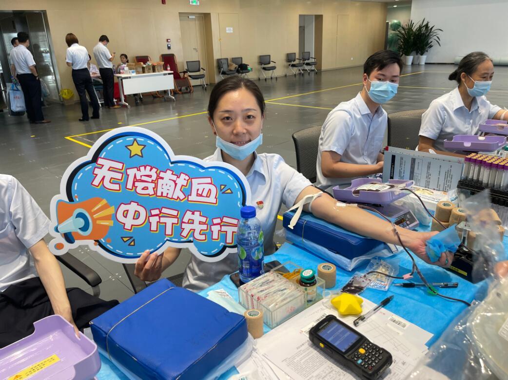 为爱挽臂!武汉这群热血中行人连续7年无偿献血超9万毫升